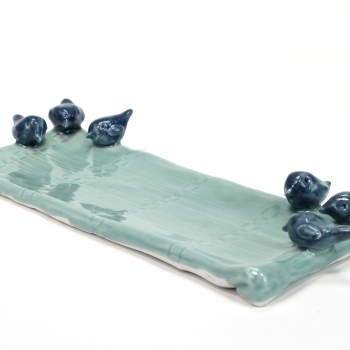 Blue-birds-on-green-plate